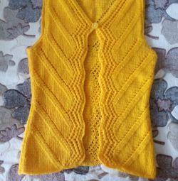 Vestă tricotată manual