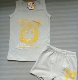 T-shirt κιτ κιλότα για ένα αγόρι