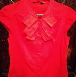 Блузка червона 42-46 р-р. бавовна