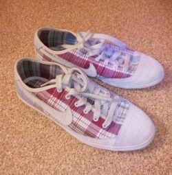 Sneakers NIKE original ?