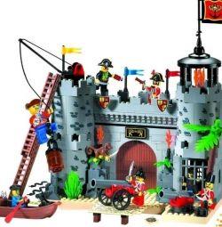 Σχεδιαστής Enlighten Brick Pirate Fortress, νέο