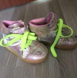 Αθλητικά παπούτσια για πόδια 16 εκ
