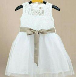 Новые нарядные белые платья