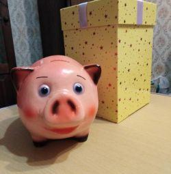 Moneybox Piggy. Νέα.