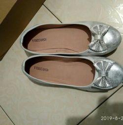 Pantofi 38 r