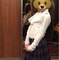 Φούστα για το κορίτσι. Σχολικά ρούχα.
