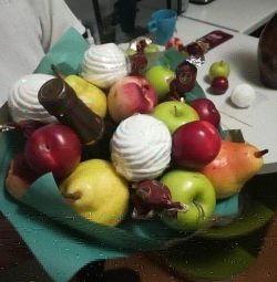 Buchete de fructe, băuturi și alimente