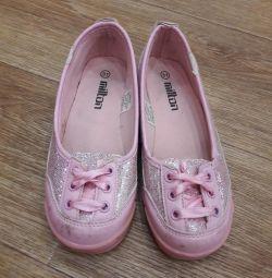 Pantofi pentru grădiniță