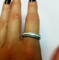 Ring with enamel and cubic zirconias. 925 sterling silver