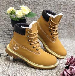 ΝΕΕΣ χειμωνιάτικες μπότες