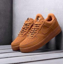 Nike Force (размеры 36-40)