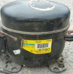 Compressor for fridge