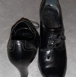 Δερμάτινες μπότες 39ρ