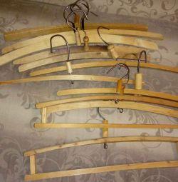 Antika ahşap askılar