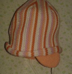 Нова шапочка з зав'язками.