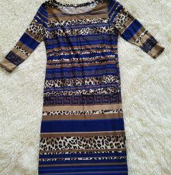 Τούνινο φόρεμα