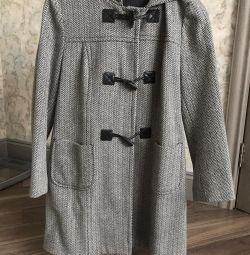 Пальто фирмы Benetton, размер 44-46, полушерсть