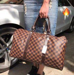 Ταξιδιωτική τσάντα Louis Vuitton