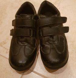 Παπούτσια 33r