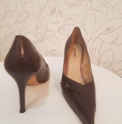 Shoes genuine leather new river. 39