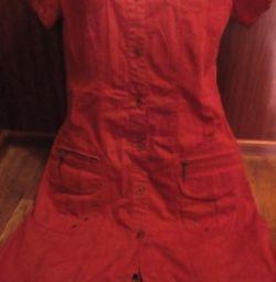 Rochie cu nasturi