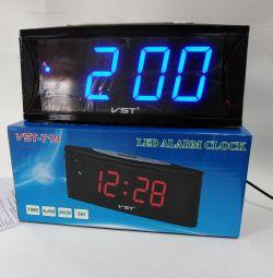Ceas electronic VST 719