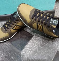 НОВЫЕ мужские ботинки, кроссовки
