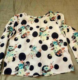 Нарядная блузка новая р. 48
