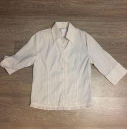 Okul üniforması. gömlek