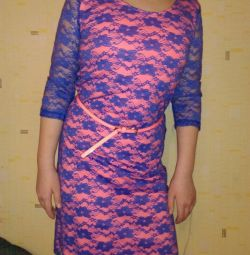 Dress guipure on knitted lining