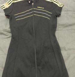 Adidas elbisesi
