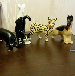 Figurines. Souvenirs