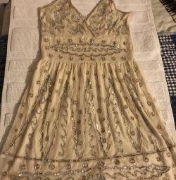 Rochie brodată cu margele