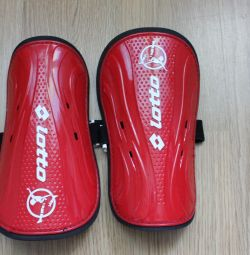 Shin guard for LOTTO football