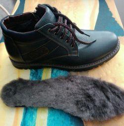 Натуральні зимові черевики 42
