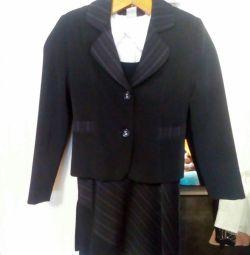 Школьная форма и блузка рост 134