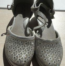 святкові туфлі