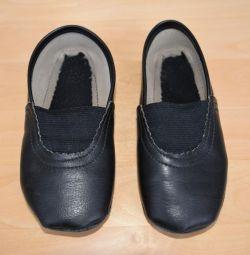 Чешки кожаные черные, 24 размер