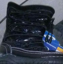 Μπότες με φυσική γούνα νέα