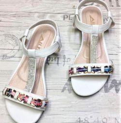 sandals new p 38