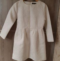 Rochie albă nouă.