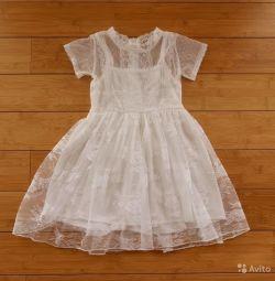 Кружевное платье на 2-3 года