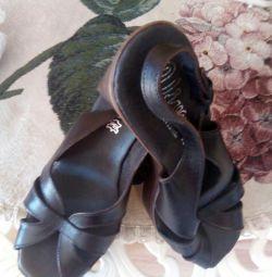 Sandale noi spaniole