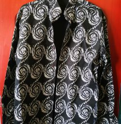 Рубашка черная с белым рисунком