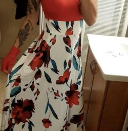 Φορέματα στο πάτωμα