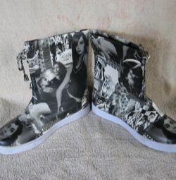 Μπότες με φωτογραφία ...