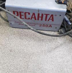 Mașină de sudat RESANTA SAI-250
