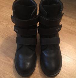 Чоботи-черевики шкіряні в отличном состоянии теплі