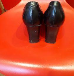 Pantofi pentru soti. 38P.