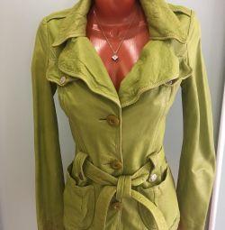 Jachetă din piele utilizată. P 44-46